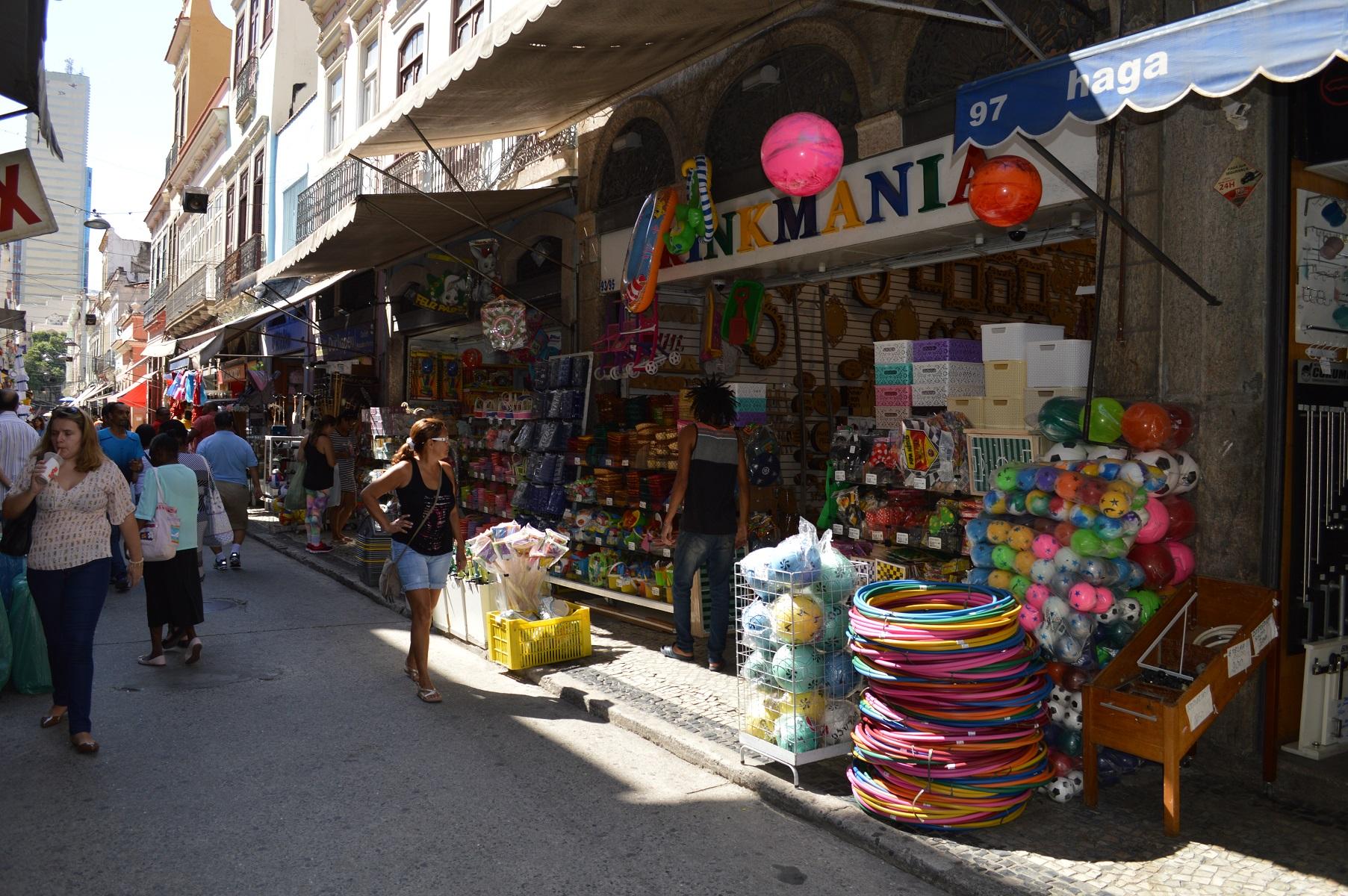Liberado o horário do comércio de rua