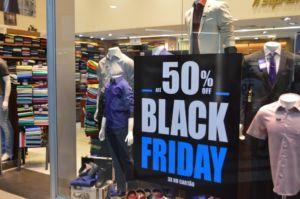 Read more about the article Cerca de 90% das lojas físicas do Rio pretendem participar da Black Friday