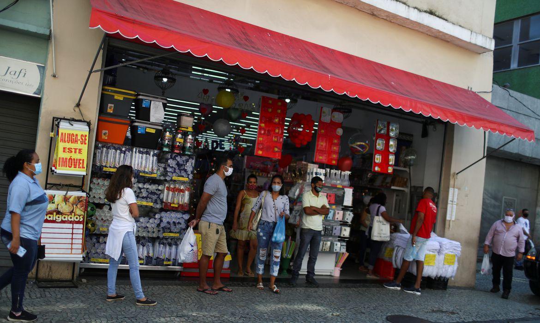 Instituído o Período Conservador no Rio. Comércio tem horário livre, mas com algumas restrições